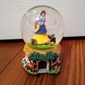Snow White Enesco Musical Snow Globe